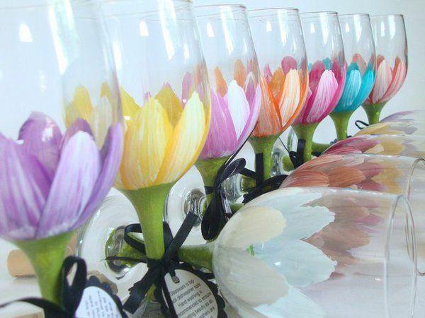 Tischdeko frühlingsblumen im glas  blumen muster tischdeko ideen gläser bemalen | Tassen bemalen ...