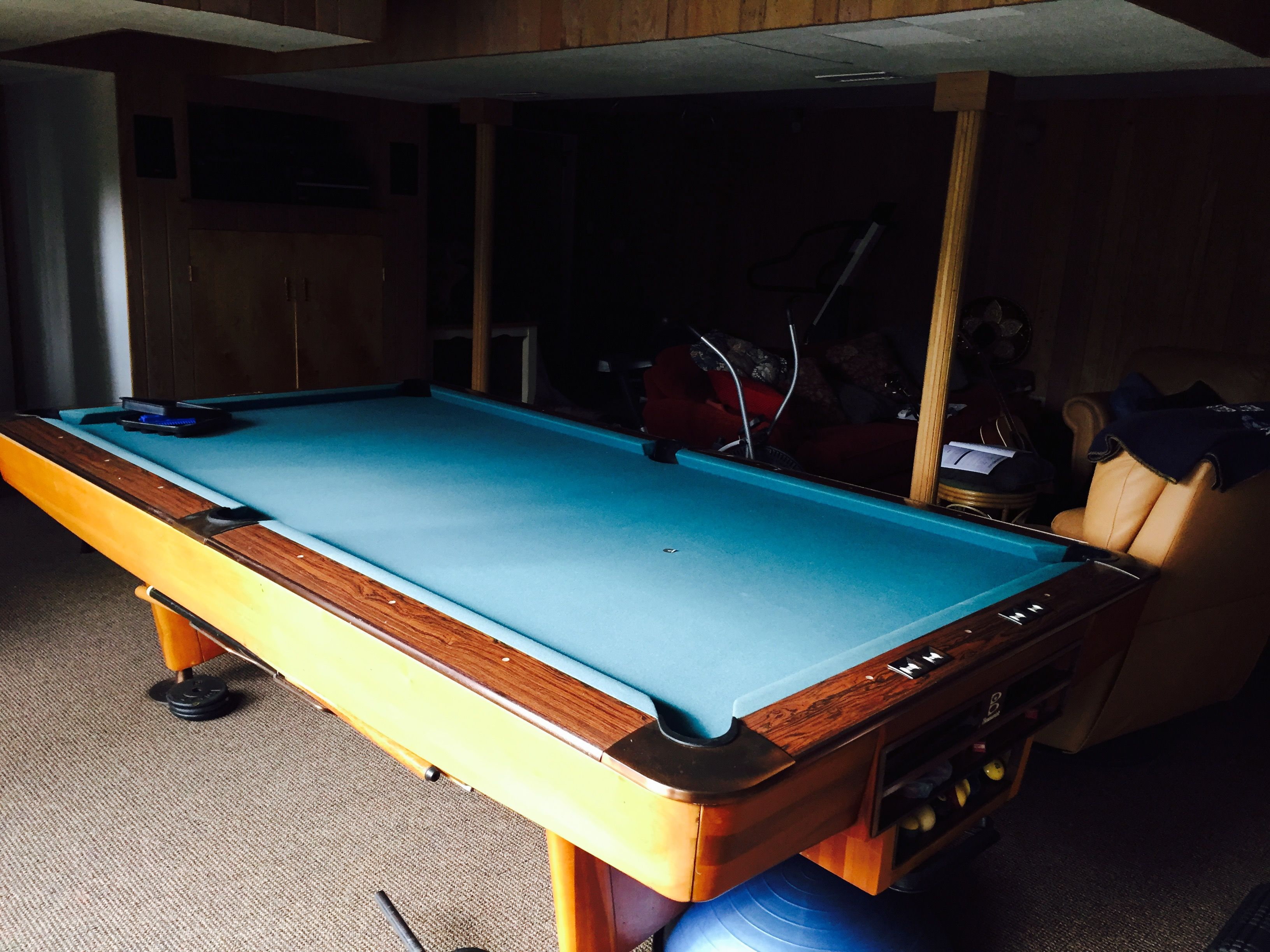Nice Brunswick Billiards 9u0027 Gold Crown Lll Pool Table Delivered Installed With  New Cloth U0026 Play