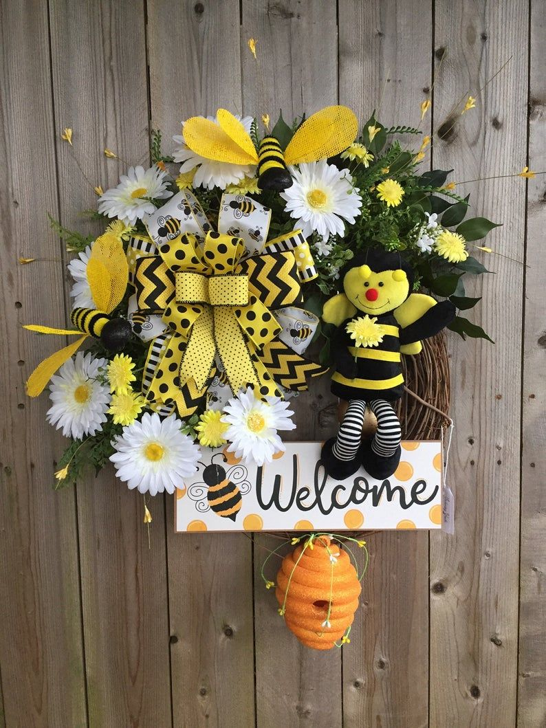 Photo of Bumble Bee Welcome Grapevine Wreath