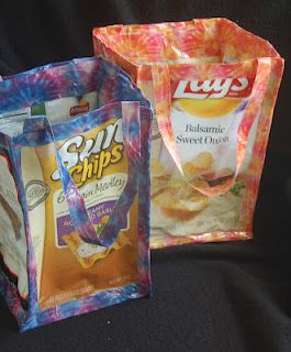 Lynn's Craft Blog: Recycled Chip Bag Tote made with empty chip bags & duct tape!