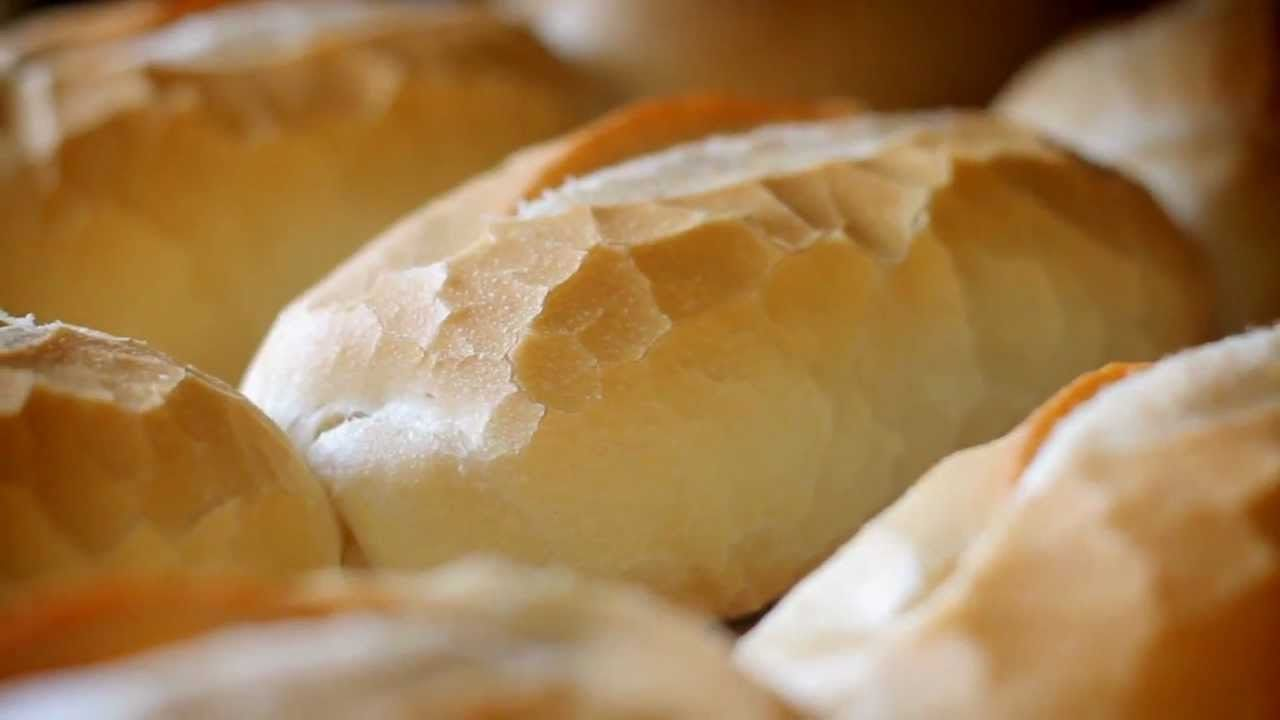 Resultado de imaxes para pão frances velho