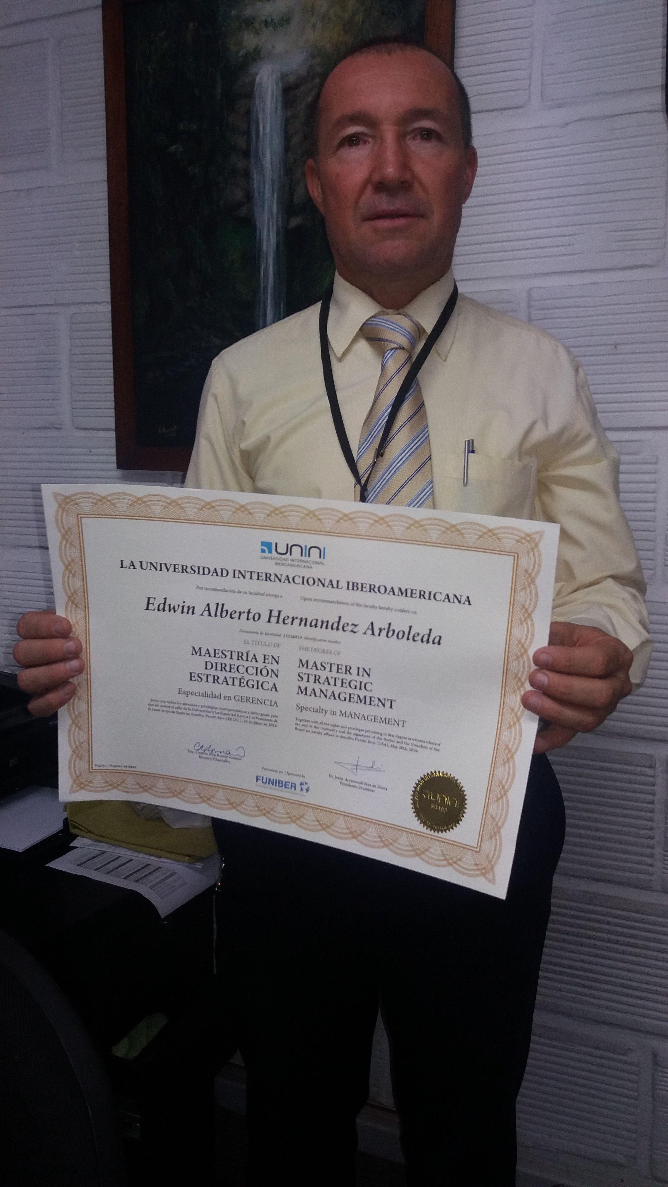 Felicitaciones a nuestro Decano de Salud por su Maestría en Dirección estratégica en la Universidad Iberoamericana