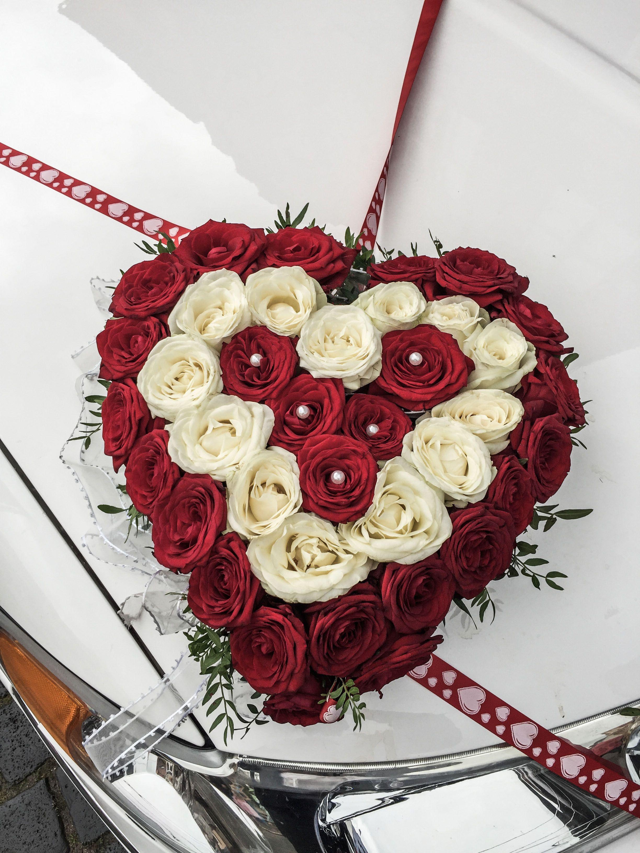 Auto Blumen Hochzeit Rosenkugel Als Dekoration Fur Das Auto