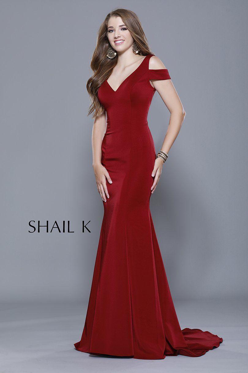 Vneck shoulder strap mermaid style dress ootd mermaid and prom
