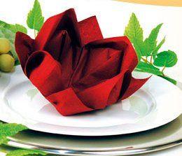 pliage serviette fleur de lotus deco de table pinterest pliage serviette pliage serviette. Black Bedroom Furniture Sets. Home Design Ideas