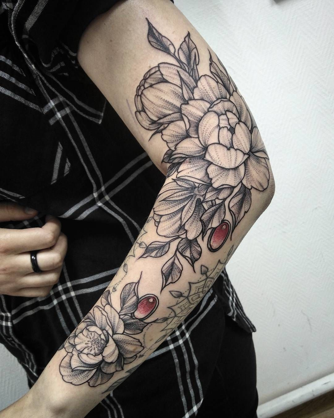 Girl Sleeve Tattoo with flowers Girls with sleeve