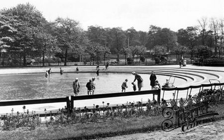 Old Paddling Pool Clifton Park Clifton Park South Yorkshire Scenery