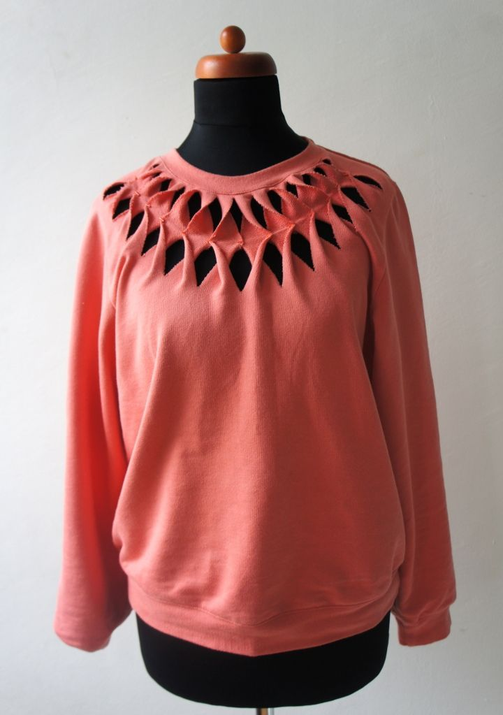 DIY: Cut-Out-Sweatshirt - we love handmade #oldtshirtsandsuch
