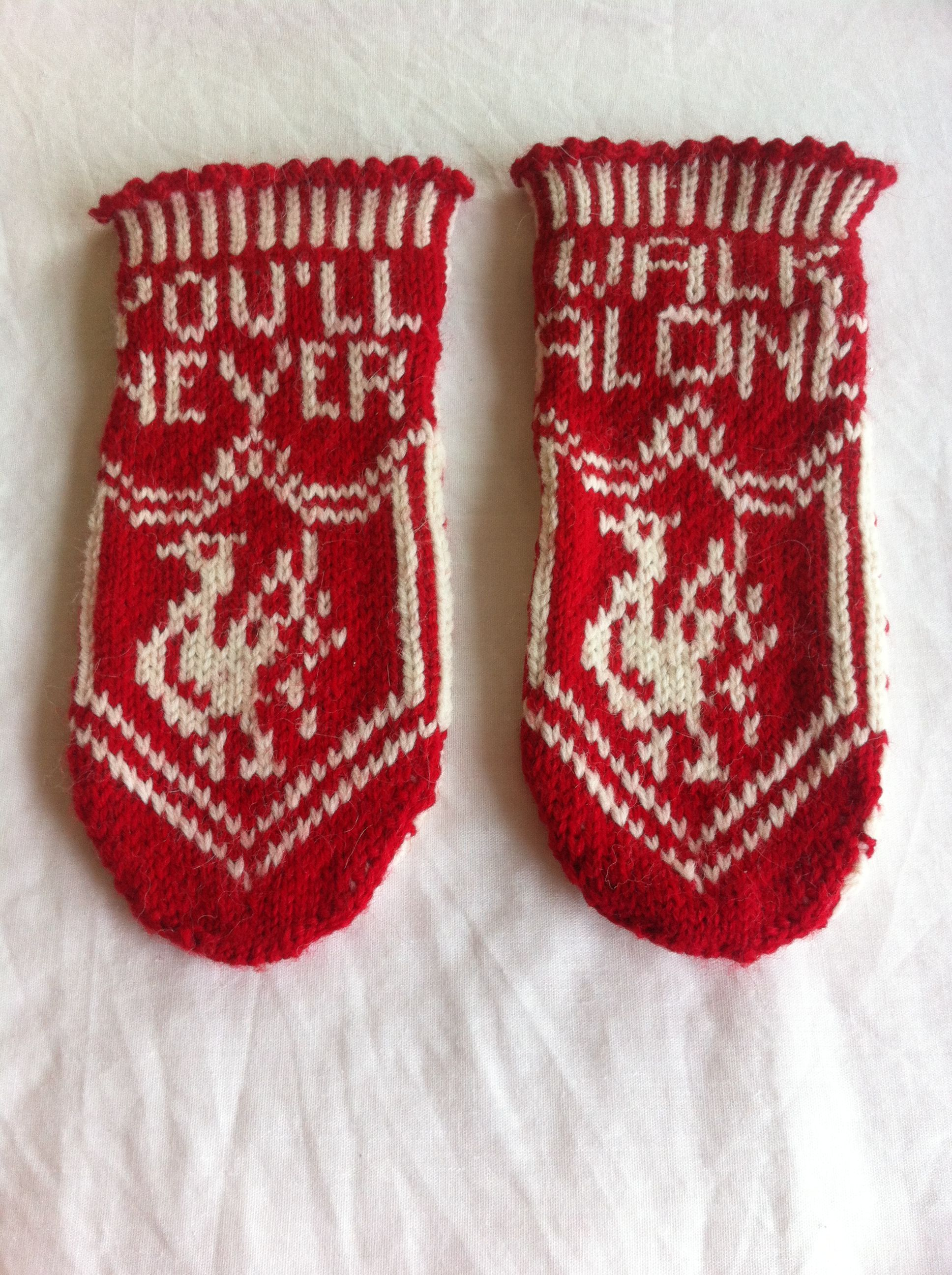 Liverpool-sockslippers. Turned a pattern for mittens into these ...
