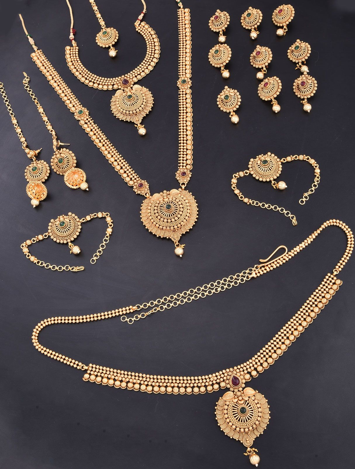 Jewellery Set for Bride with Traditional Design