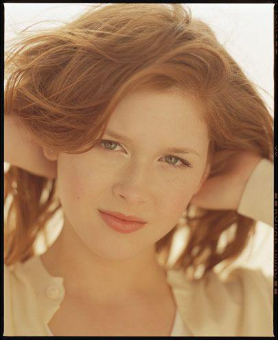 Renee Olstead Publish With Glogster Renee Olstead Renee Beautiful Actresses