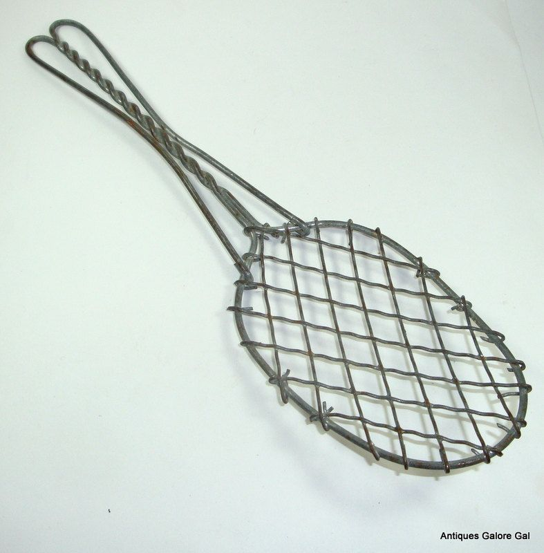 Vintage Wire Spatula Mid Century Primitive Kitchen Utensil 984