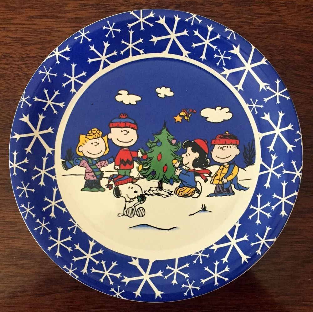 Snoopy and PEANUTS GANG Collectible Christmas Plate