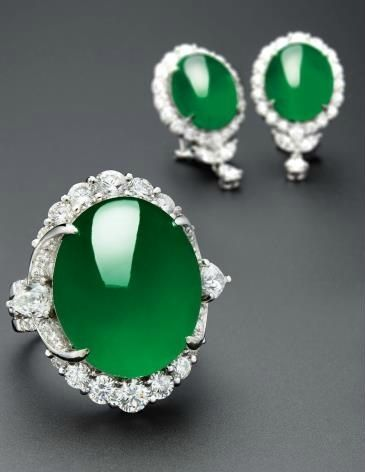 A Very Fine Jadeite Cabochon Ring And Pair Of Matching Earrings Estimate Hkd 8 800 000 10 000 000 Image Courte Precious Jewelry Jade Jewelry Dream Jewelry
