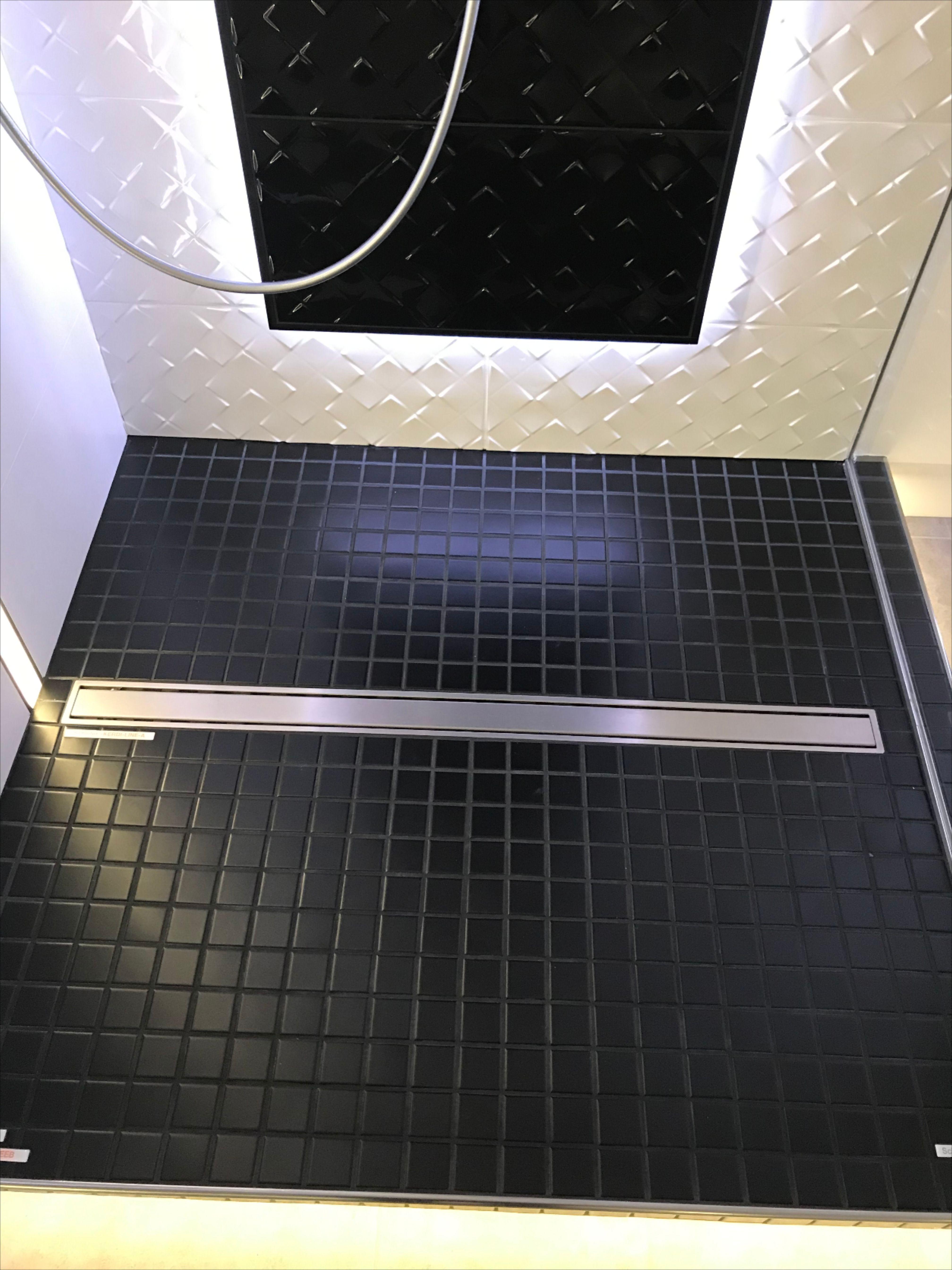 Baustelle Duschsysteme In 2020 Duschsysteme Dusche Bodenfliese