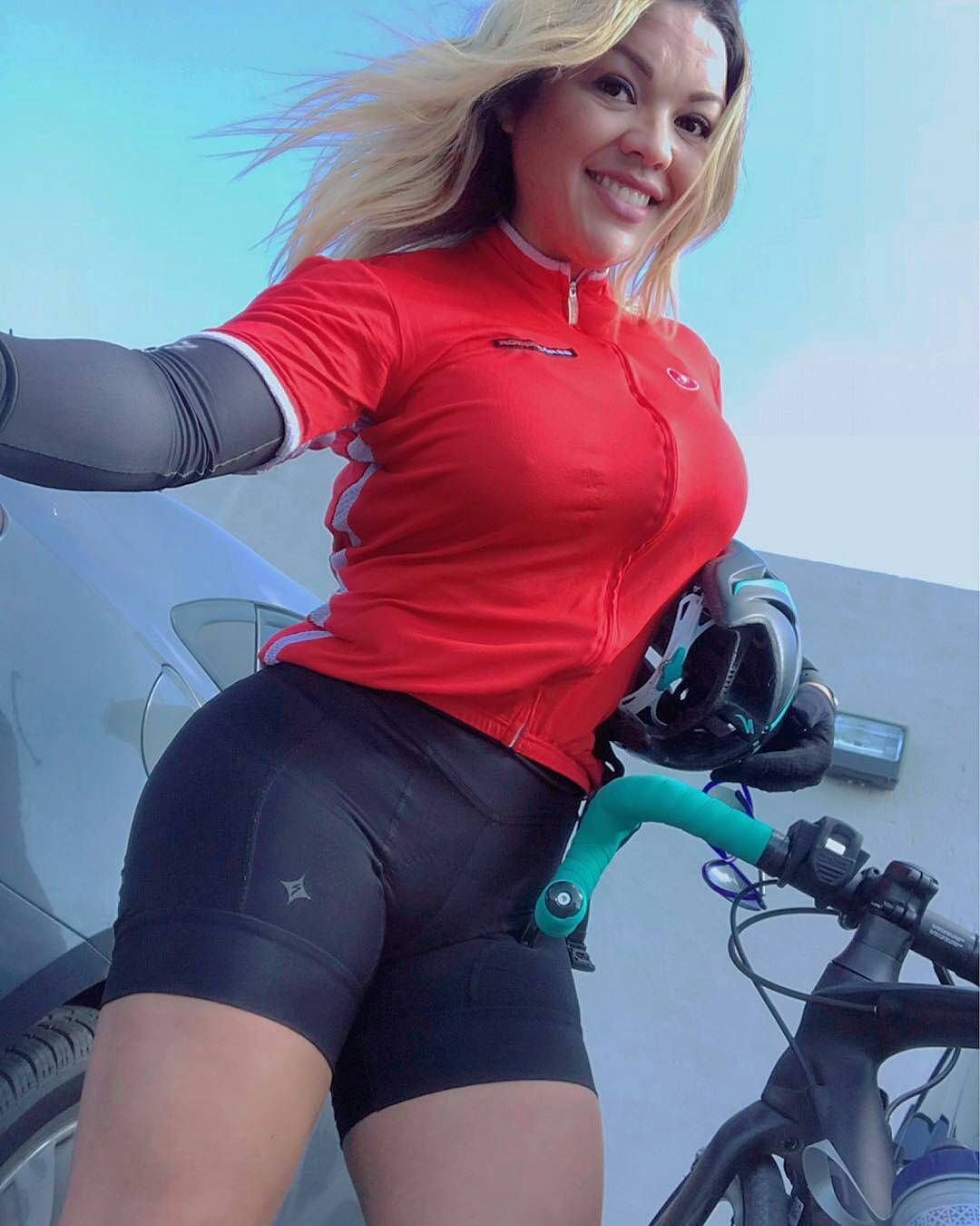 Curves and Lines  Women and Bikes b5fa254cd