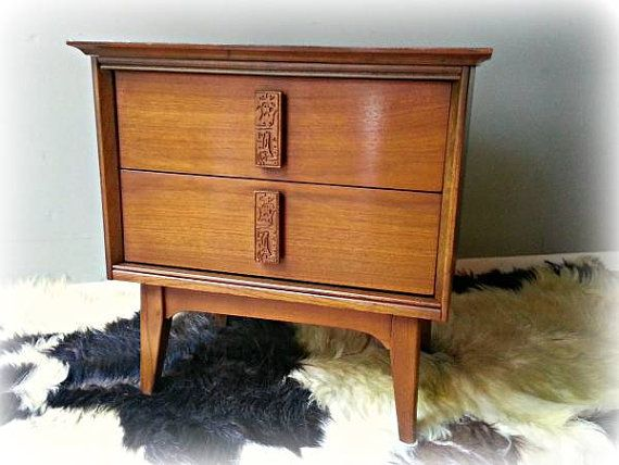 Bassett MAYAN Nightstand Bedside Table End Table By