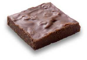 Crocante: Cuadrado de chocolate de leche mezclado con galleta fina molida. Presentaciones de 100 y 200grs.