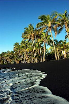 La Arena Basáltica Es Enteramente Negra Producto De Antigua Lava Volcánica Enfriada Por El Mar