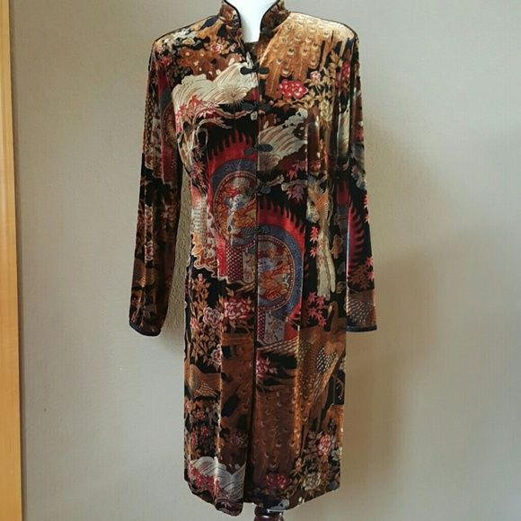 Velvet Printed Front Open Dress Preloved in great condition.  Front open with button closure. Size L 90% polyester  10% spandex CLIO Dresses Long Sleeve