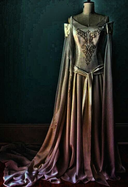 Beautiful Celtic gown. | Clothes and Accessories | Pinterest | Gowns ...