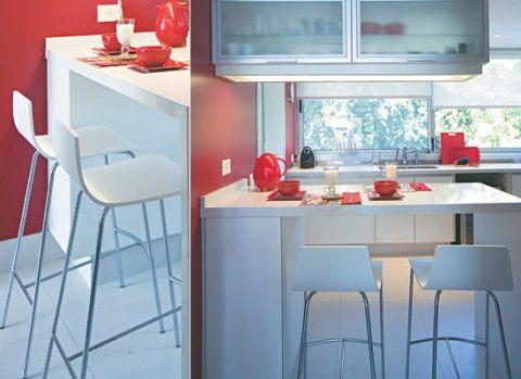 Barras y taburetes en la cocina decoraci n sillas for Sillas para barra de cocina