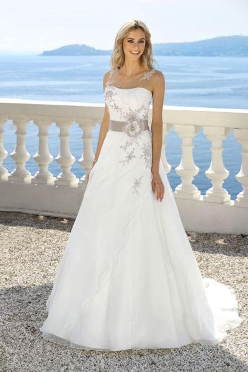 Ladybird Brautkleid 318050 8950   Hochzeitsdeko   Pinterest