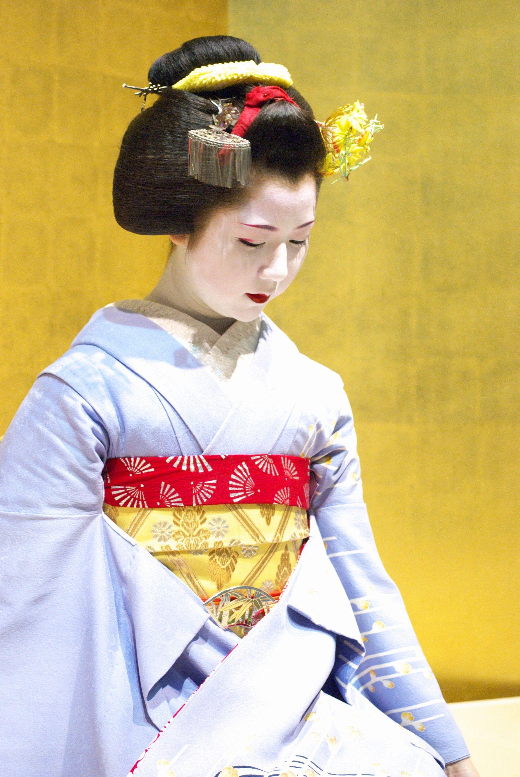Japanese Maiko Kimono Furisode Kyoto Japan | Japanese Maiko ...