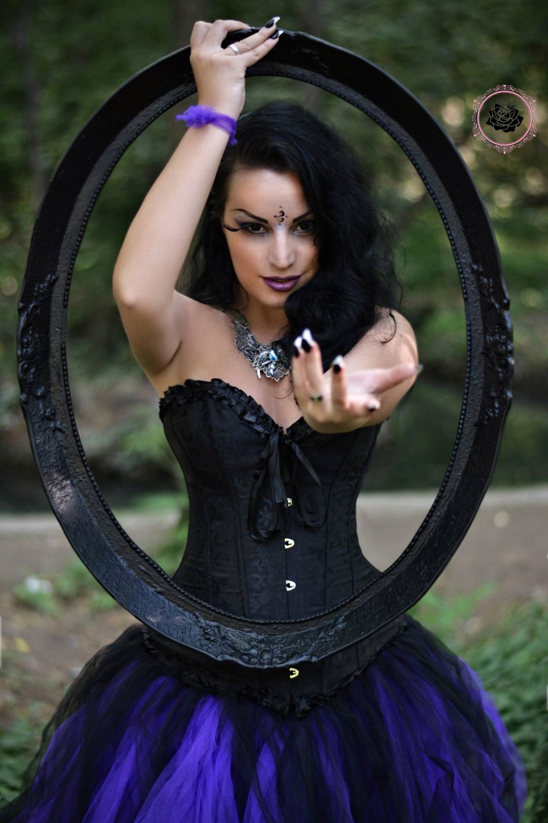 Model kali noir diamond photo vanic photography dress