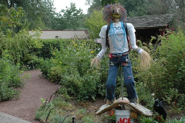 Wonderful Iu0027m Going To Check Out This School Garden Weekly Blog. It Has