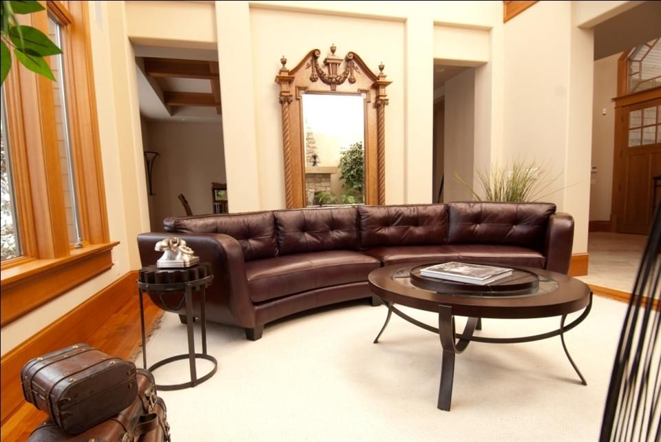 Vittorio Top Grain Leather Sectional In Mahogany Color