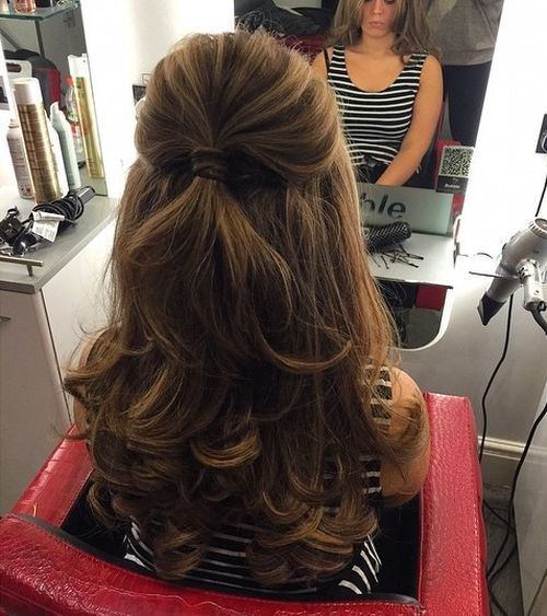 40 Easy And Chic Half Ponytails For Straight Wavy And Curly Hair Down Hairstyles Half Ponytail Pageant Hair