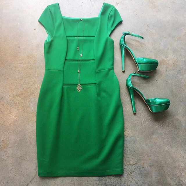 Stunning Green dress by Bailey 44 & heels by Sergio Rossi #shopmintatl Call 404-343-2033 for sizes & prices