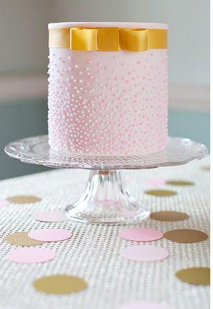 Going Dotty!  -Polka Dot Wedding Cakes