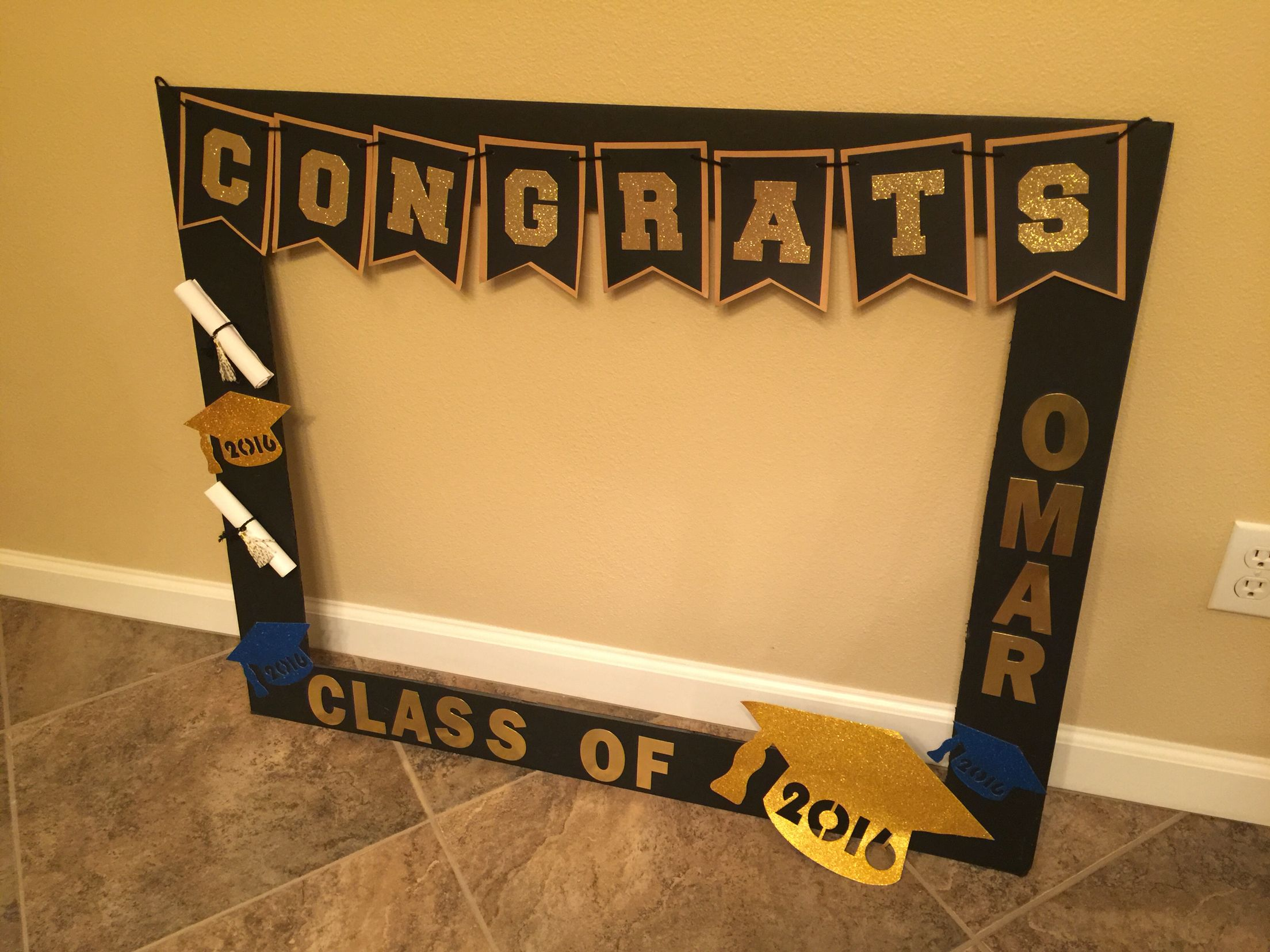 Graduation DIY photo booth DIY Pinterest