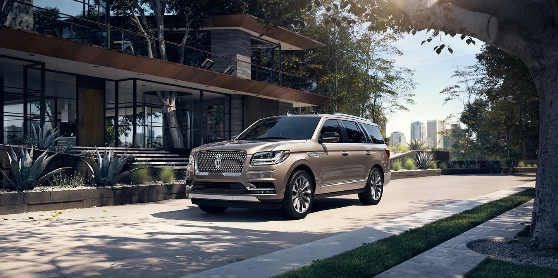 Revealed The All New 2018 Lincoln Navigator Motor Company Luxury Suvs