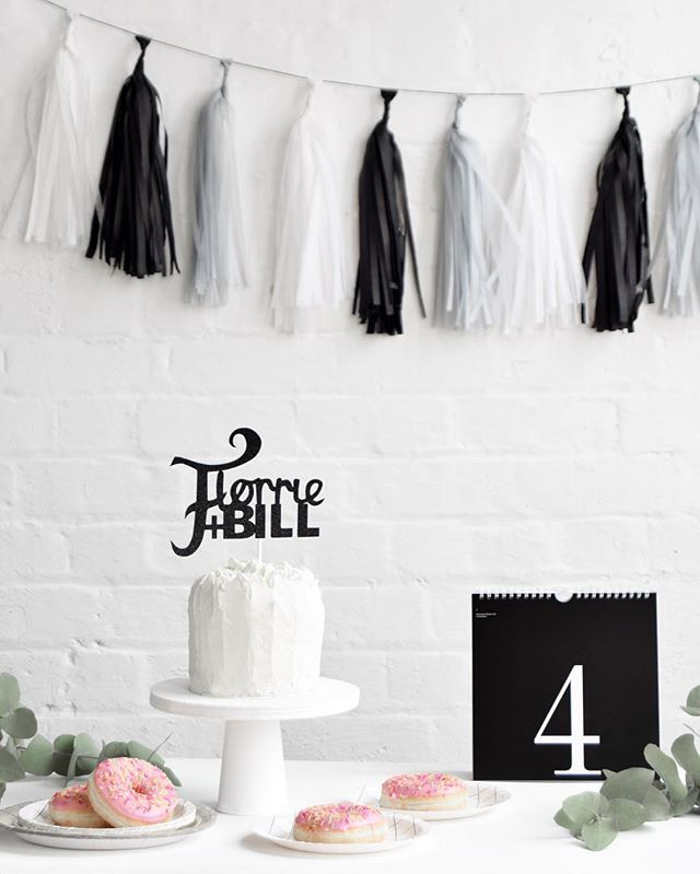 BLACK AND WHITE PARTY  How lovely are the party decorations from @littlelulubel + the bespoke cake topper from @claraivy   + styling by @amycawson + @freckledfennell