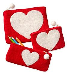 Wool Felt Heart Pouches, set of 3  Could I use one for a camera case??