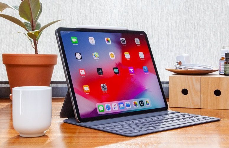 Revue De Tests Ipad Pro 2018 La Puissance Bridee Par Le Logiciel Ipad Ipad Pro Et Logiciel