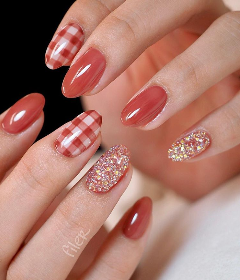25 Elegant Red Japanese Nail Art Design For Round Nails Round Nail Designs Japanese Nail Art Short Acrylic Nails Designs