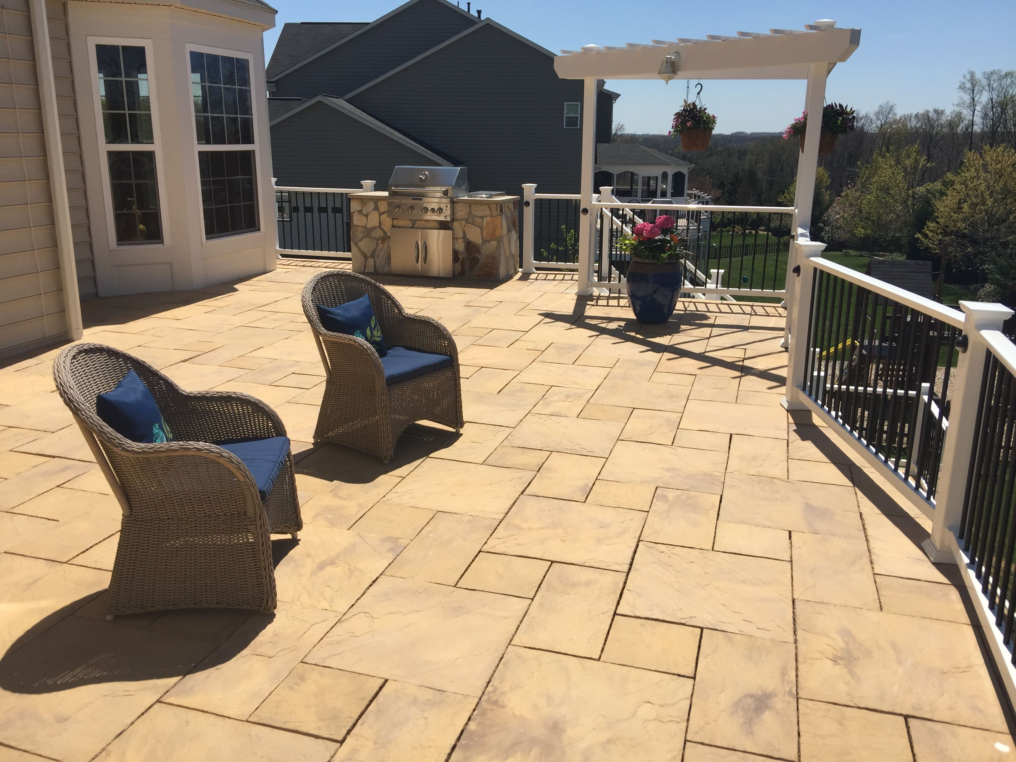 A Gorgeous Deck With Stone Paver Decking An Outdoor Kitchen Grill