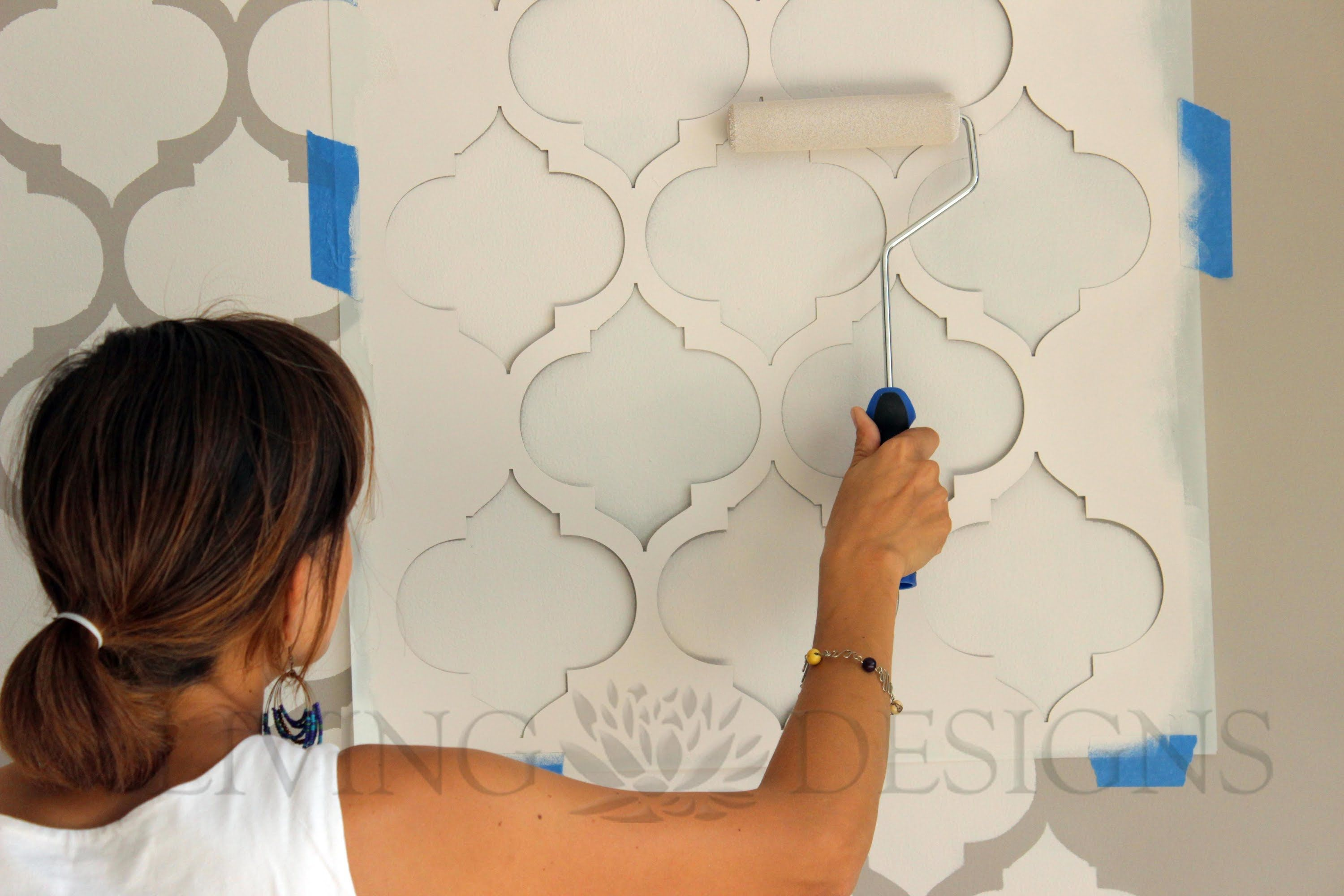 T cnica para decorar paredes con plantillas o stencil - Ideas originales para decorar paredes ...