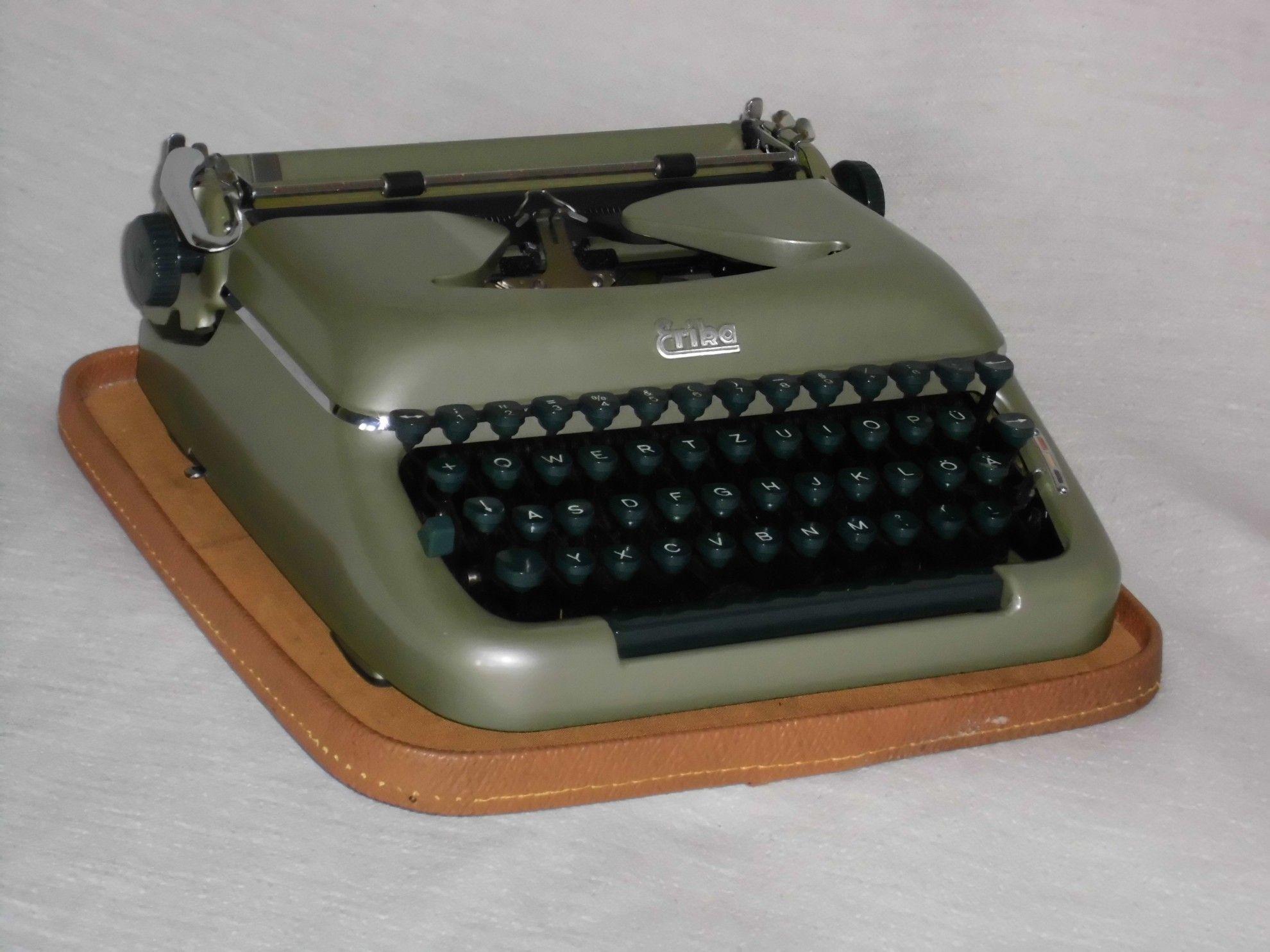 Mechanische Schreibmaschine Erika 10 mechanical typewriter