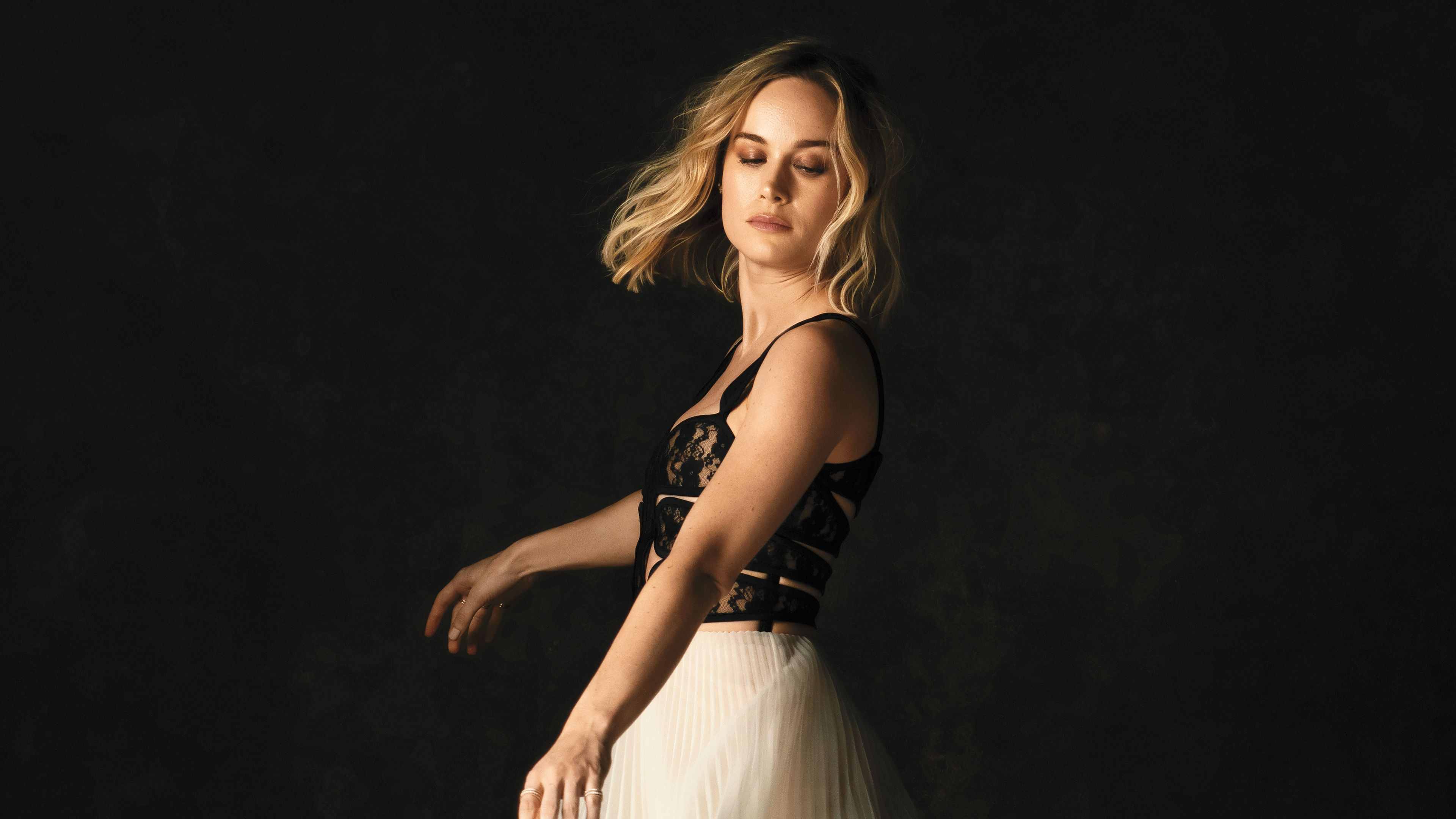 Brie Larson 2019 4k Brie Larson Too Faced Lipstick Bright Hair