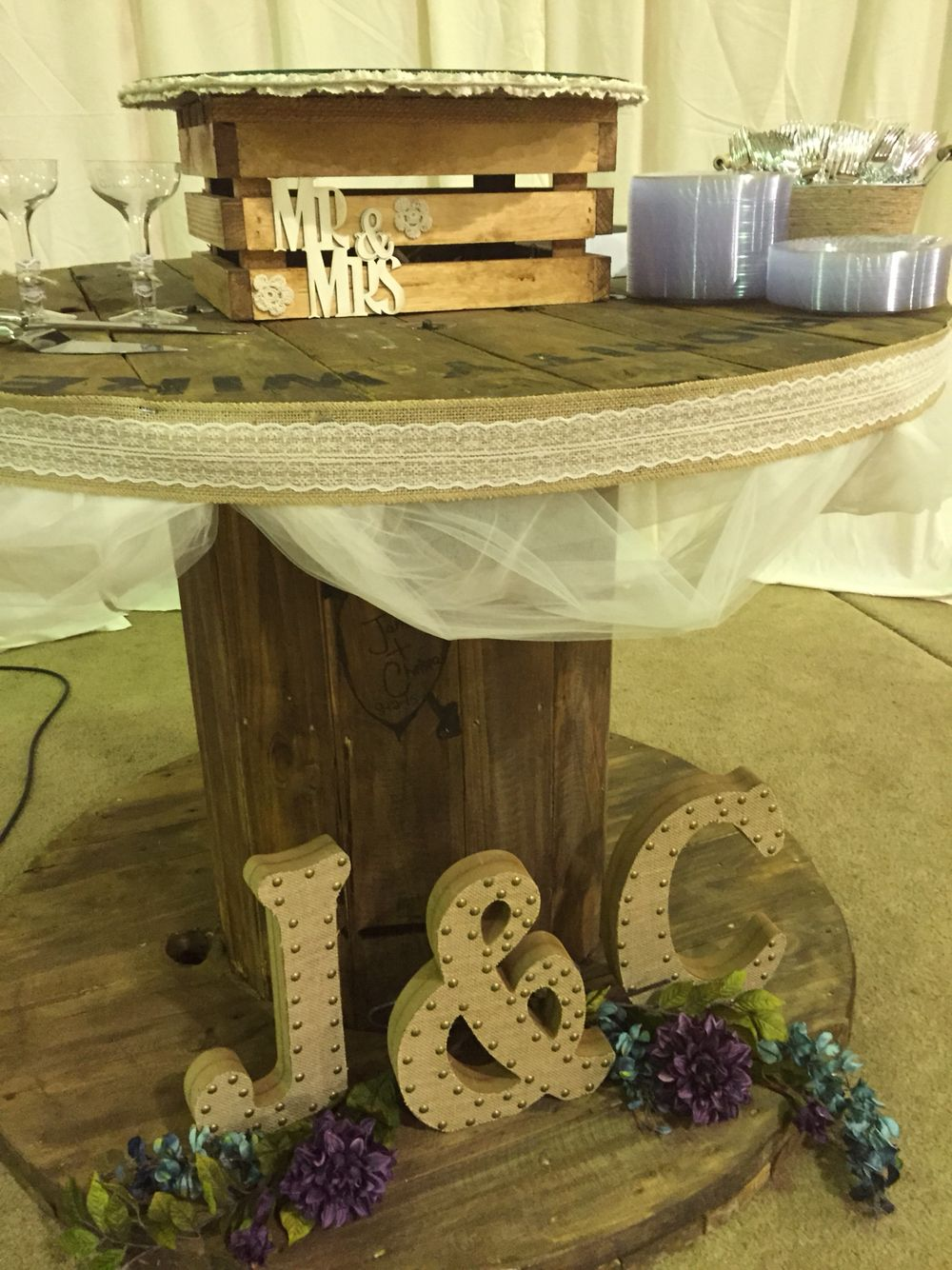 Wire spool wedding cake table | Wedding | Pinterest | Wire spool ...