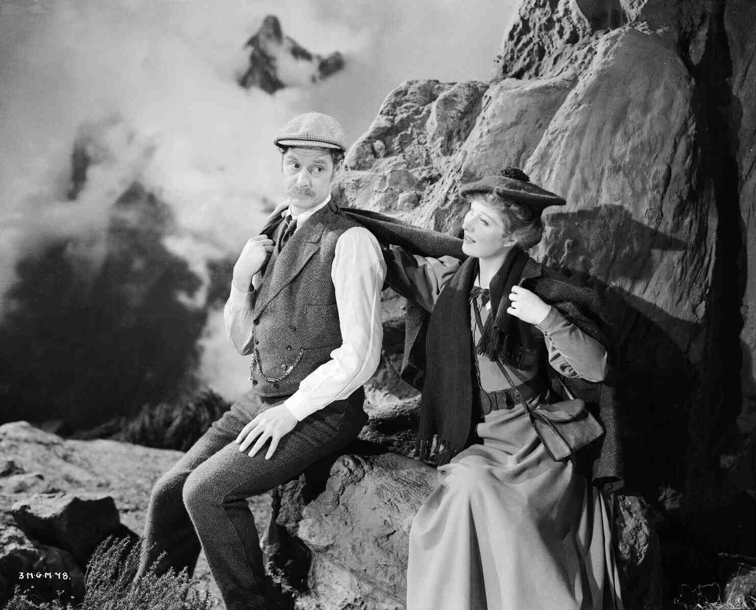 Goodbye, Mr. Chips (1939) - Robert Donat and Greer Garson