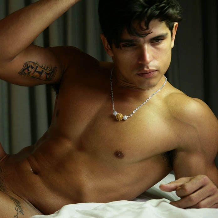 Body builder gay