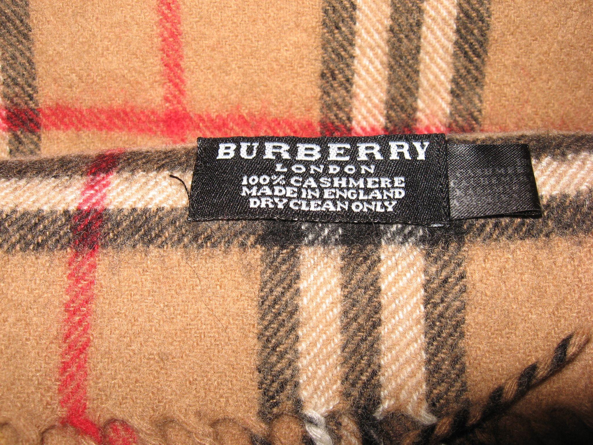 27aed6b07fe6 Burberry label   Design Clothes