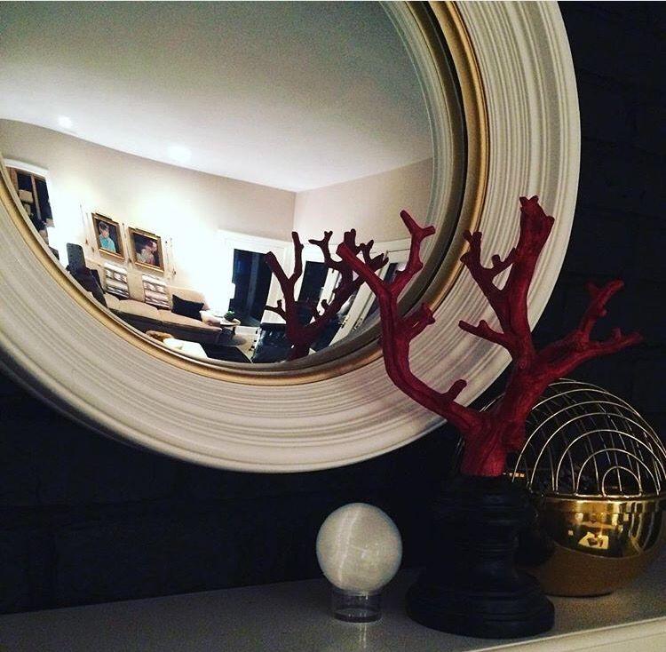 Mirrors & details