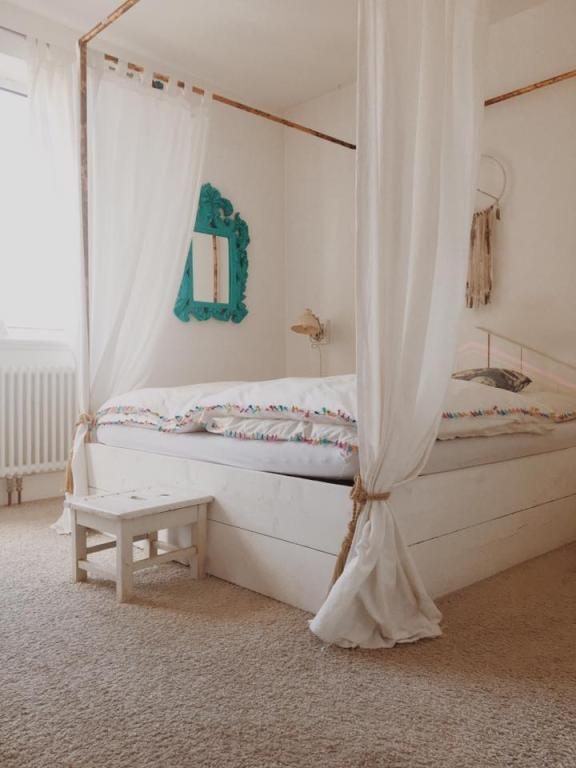 Ein Himmelbett für süße Träume und eine erholsame Nacht #wgzimmer